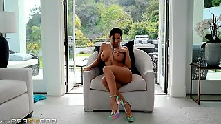 Pornstar Madison Ivy with the sexiest body fucked by a stud