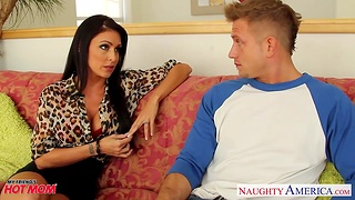 Anxious young guy is fucked unconnected with voluptuous friend's materfamilias Jessica Jaymes