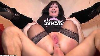 French Porn - Sophie na pas froid aux yeux - amateur sex